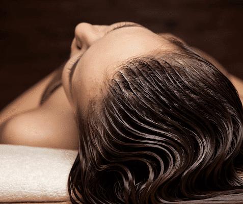 Førstehjælp til tørt og trist hår: Lav din egen hårkur